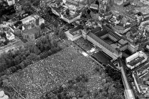 Bonn 1981: 300.000 gegen den Nato-Doppelbeschluss Quelle: www.hdg.de